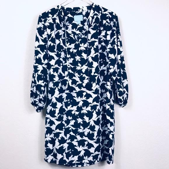 CeCe Dresses & Skirts - CeCe Shift Dress Blue Sparrow Print Sz 10